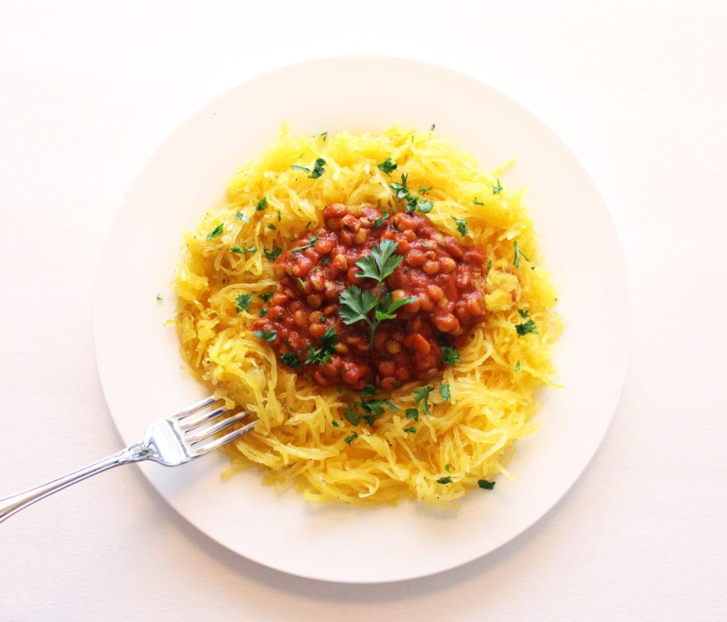 spaghetti squash bolognese lentil vegan vegetarian low carb gluten free pasta zoodles zuchinni noodles tomato sauce italian food blog recipe zenanzaatar