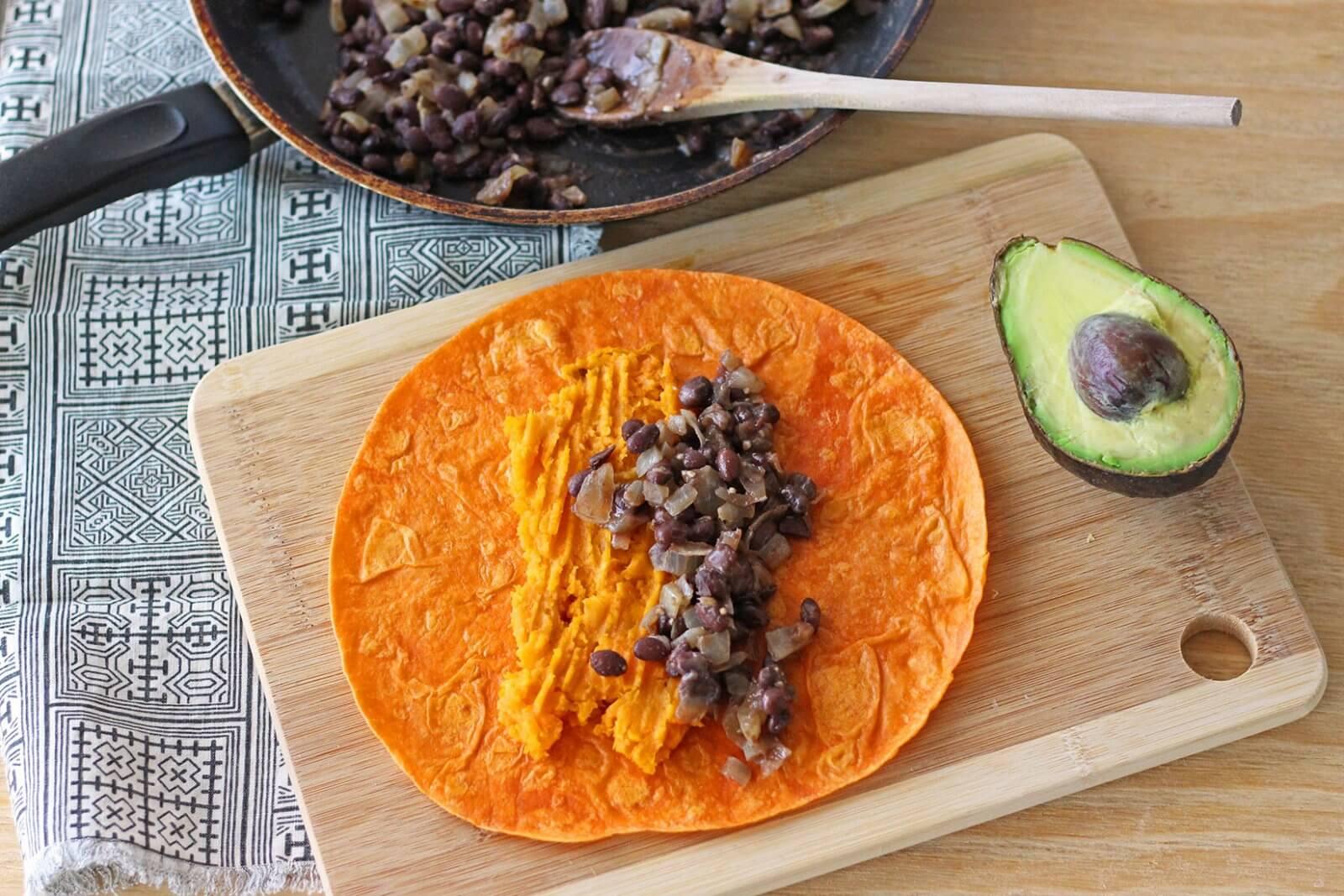 black bean enchiladas vegan sweet potato chipotle cashew cheese vegetarian red pepper burrito zenanzaatar zena 'n zaatar enchilada mexican food blog easy recipe