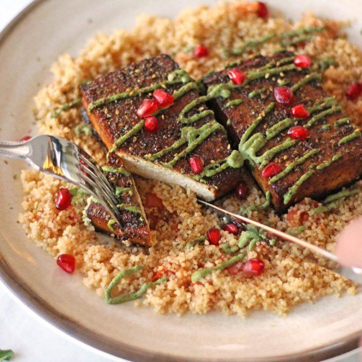 tofu steak zaatar crusted mediterranean zenaznzaatar zena food blog vegan vegetarian plant based recipe healthy tahini
