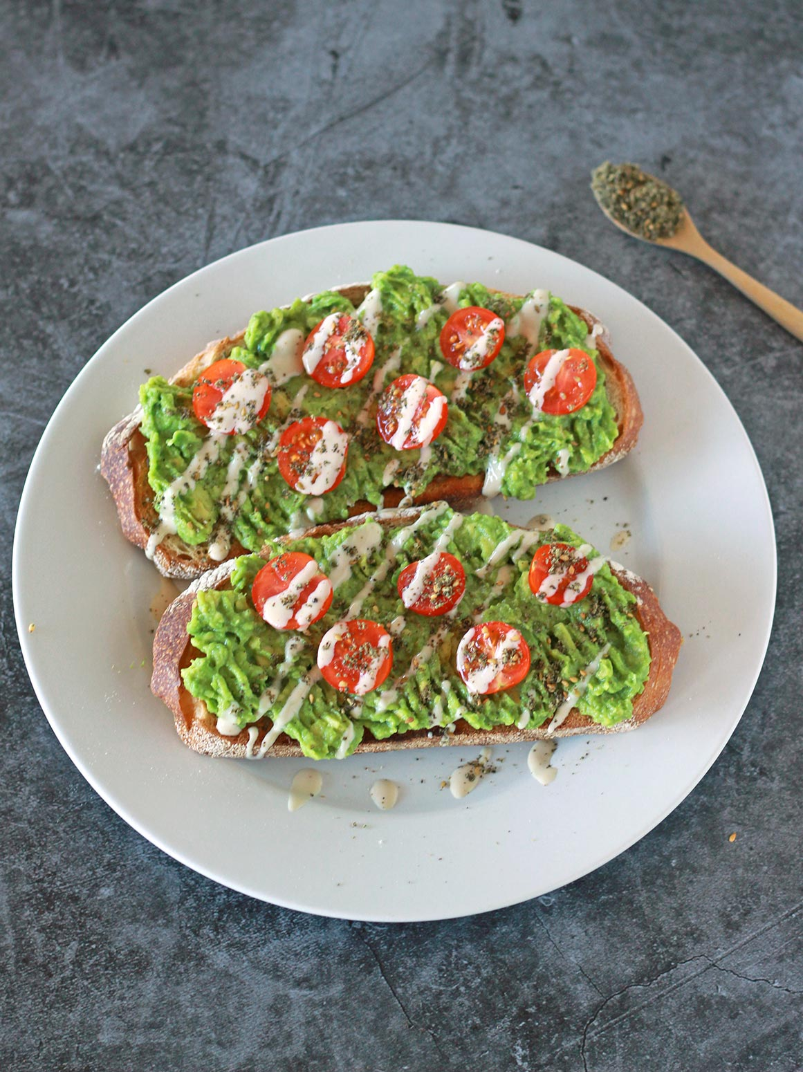 zaatar avocado toast avo vegan tahini tomato easy recipe plant based food blog arabic mediterranean middle eastern zenandzaatar