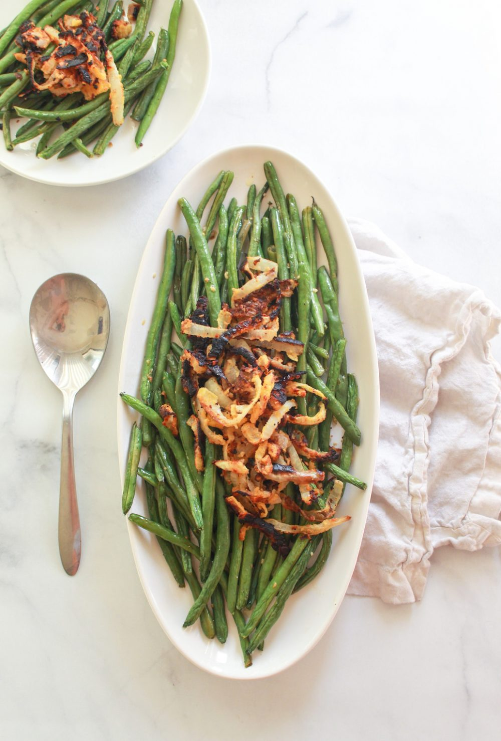 lemon garlic green beans with crispy chickpea fried onions roasted sheetpan vegan vegetarian side dish thanksgiving food blog recipe zenandzaatar