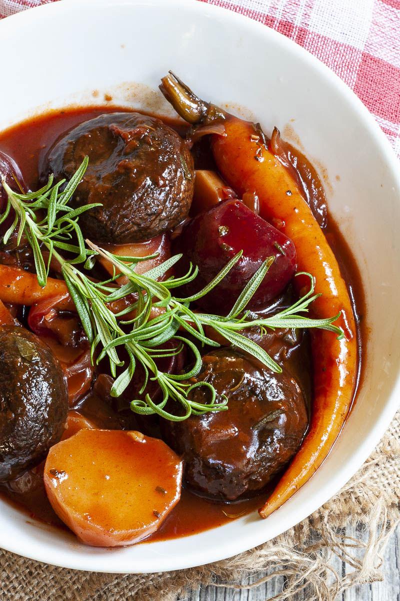 This vegan portobello pot roast makes a delicious vegan Thanksgiving main.