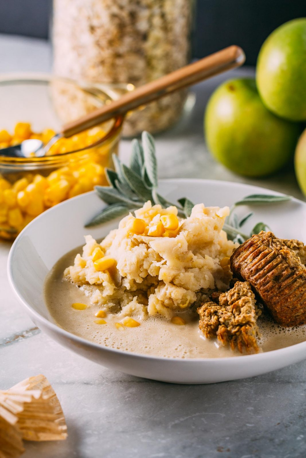 These healthy mashed potatoes and gravy are a delicious and hearty plant based thanksgiving side dish.